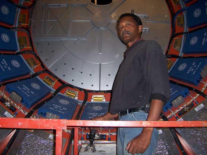 Preparing to paint the time machine for the 2006 movie, 'Deja Vu' staring Denzel Washington.